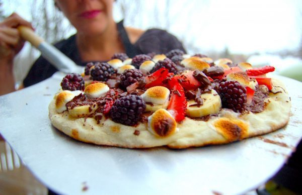 pizza au chocolat et fruits